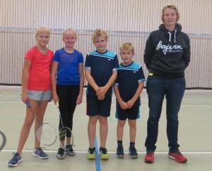 von links: Friederike, Kim, Magnus, Jarne und die Trainerin Kristina